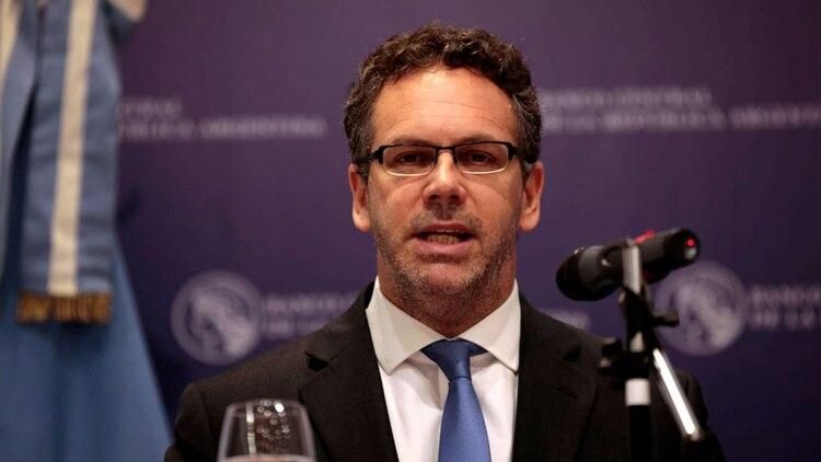 """El ex presidente del Banco Central de la gestión de Cambiemos, Guido Sandleris, dijo hace unos pocos días atrás que entendía que este era """"el momento de financiar el Tesoro vía emisión monetaria"""", aunque pidió prudencia (Luciano González)"""
