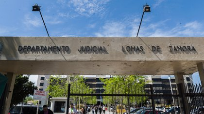 La entrada de los tribunales de Lomas de Zamora.