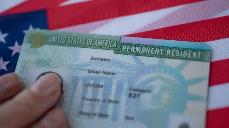 La solicitud debe llenarse en inglés y estará disponible a partir del mediodía de este miércoles (Shutterstock.com)