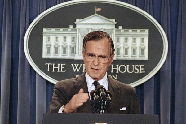 El President George H.W. Bushen la Casa Blanca el 11 de mayo de 1989 (AP)