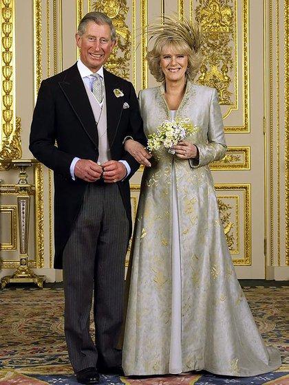 Hace 15 años el heredero a la corona británica lograba casarse por amor