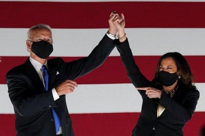 Joe Biden y Kamala Harris, confirmados como la fórmula demócrata (Reuters)