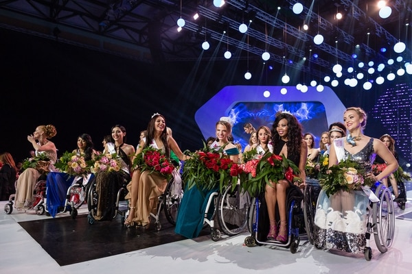Muchas de las participantes son reconocidas por desempeñarse en algún deporte (AFP PHOTO)