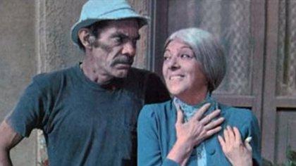 """""""Don Ramón"""" (Ramón Valdés) y la """"Bruja del 71"""" (Angelina Fernández), en """"El Chavo del 8"""""""