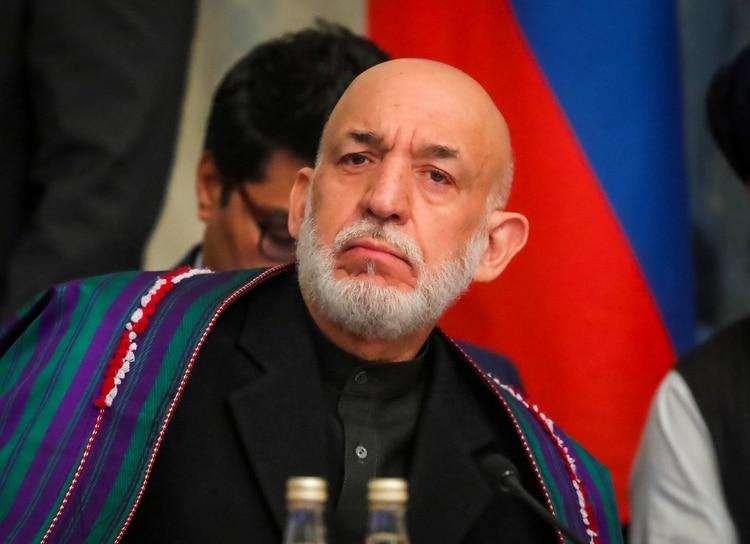 El ex presidente afgano Hamid Karzai asiste a una conferencia organizada por la diáspora afgana en Moscú, Rusia, el 5 de febrero de 2019 (REUTERS/Maxim Shemetov)