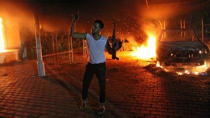 Uno de los milicianos islámicos extremistas durante el ataque al consulado estadounidense en Bengasi.