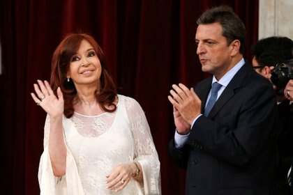 Cristina Kirchner y Sergio Massa respaldaron la renegociación dela deuda.