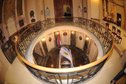 Cripta Mausoleo de Justo José de Urquiza y su familia en la Basílica de la Inmaculada Concepción de Concepción del Uruguay, Entre Ríos