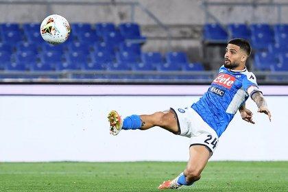 Napoli se encuentra en la lucha por conseguir un puesto en la Europa League (Foto: EFE)
