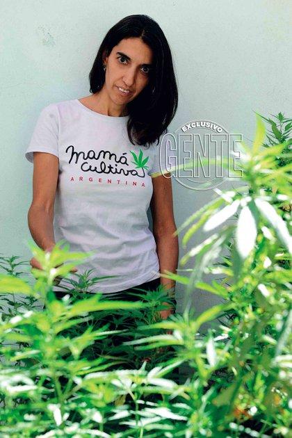 """""""Buscamos impulsar la ley del auto cultivo para uso medicinal"""" dice Valeria Salech, madre fundadora de Mamá Cultiva (www.mamacultiva.org)."""