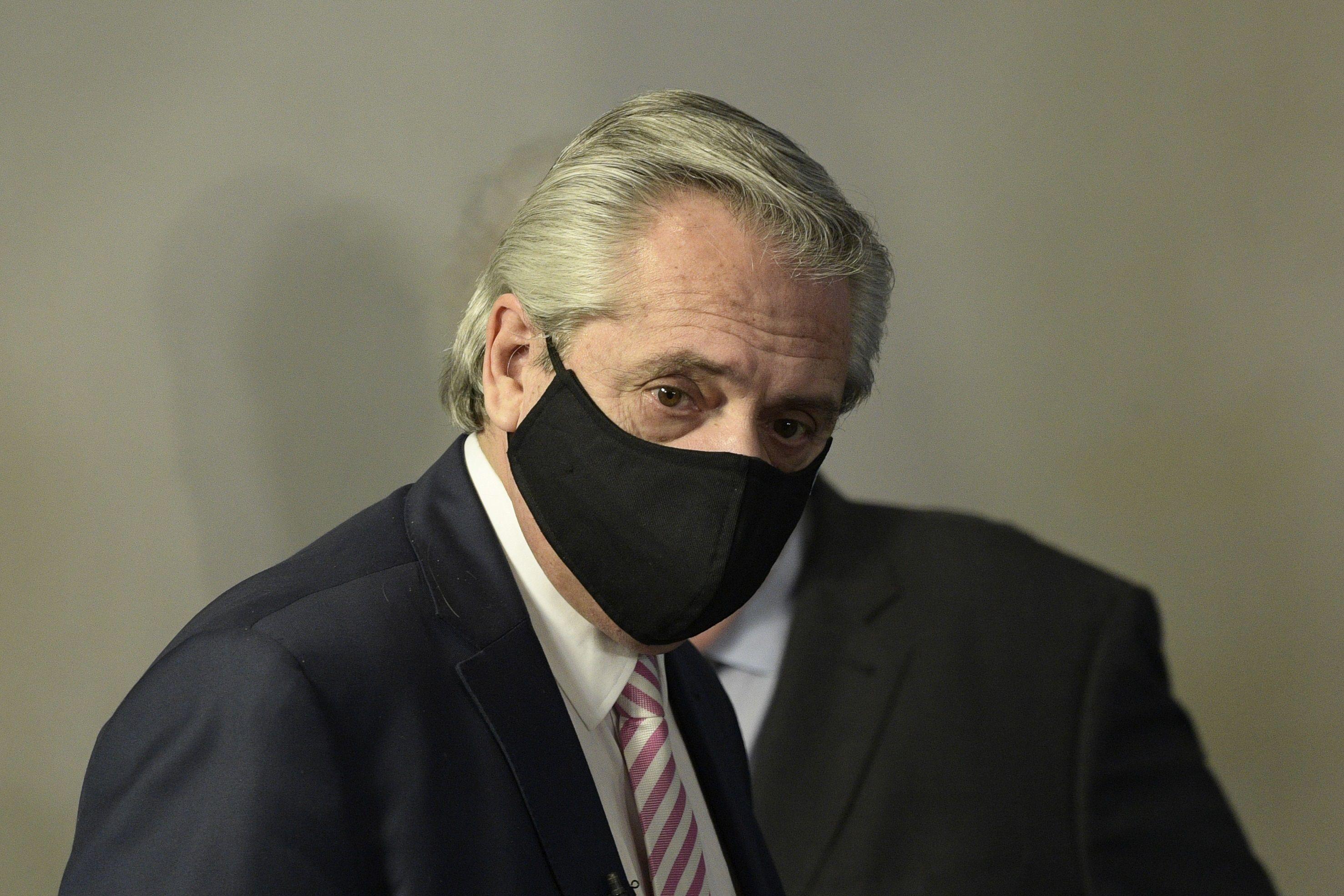 Alberto Fernánez