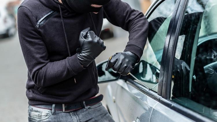 Una serie de robos similares en autos de California llamó la atención de la policía sobre el uso de escáners de bluetooth. (iStock)