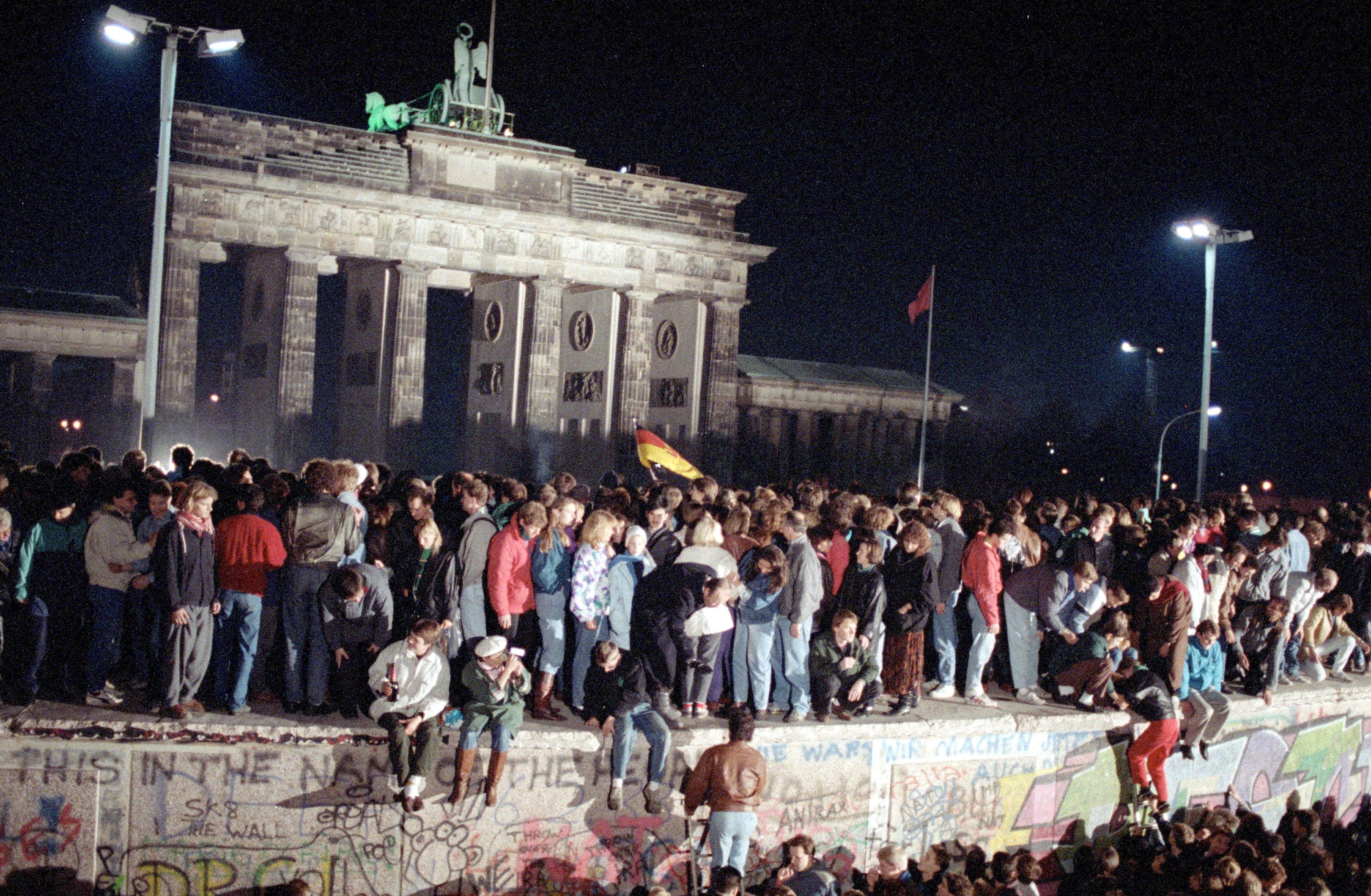 Esta semana se cumplen 30 años de la caída del Muro de Berlín. Poco después de ese 9 noviembre de 1949 colapsaría también la República Democrática de Alemania
