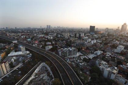 El tráfico en la Ciudad de México disminuyó drásticamente (AP Photo/Marco Ugarte)