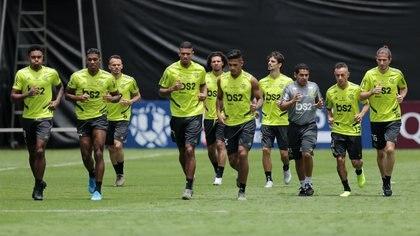 Flamengo entrenó con las lonas de fondo (Reuters)