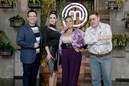 Anette Michel ha estado al frente de la conducción de Masterchef México desde la primera temporada (Foto: Cortesía TV Azteca/MasterChef México)