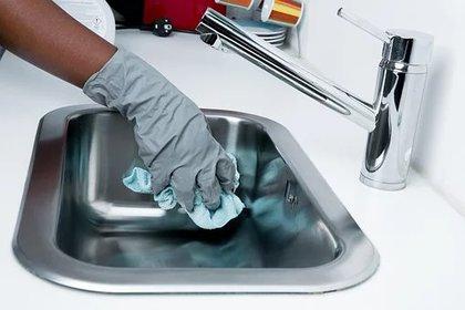 De acuerdo con la Consar, cerca del 60% de las mujeres ocupan puestos en el sector informal como: trabajos domésticos. (Foto: Pixabay)