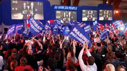 A pesar de la derrota, Marine Le Pen logró un resultado histórico para el Frente Nacional (REUTERS)