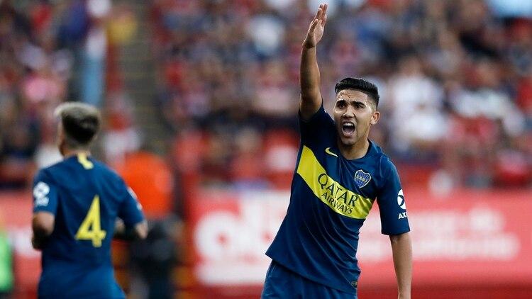 """""""Bebelo"""" Reynoso se recuperó de un golpe en una práctica y jugó como titular ante Xolos de Tijuana (AP Photo/Gregory Bull)"""
