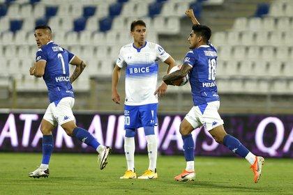 Vélez superó a Universidad Católica en Chile y avanzó en la Copa Sudamericana