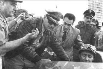 Fangio había ganado el primer Gran Premio de Cuba celebrado en 1957. Fulgencio Batista en persona le entregó el trofeo