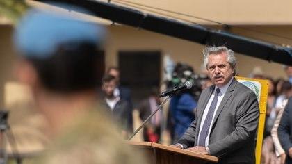 """Alberto Fernández pidió """"dar vuelta la página"""" en la relación con las Fuerzas Armadas"""