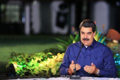 Fotografía cedida por Presa de Miraflores en la que se registró al presidente de Venezuela, Nicolás Maduro, en Caracas (Venezuela). EFE/ Prensa Miraflores