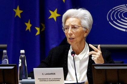 FOTO DE ARCHIVO. La presidenta del Banco Central Europeo, Christine Lagarde, habla en el Parlamento Europeo, en Bruselas, Bélgica. 6 de febrero de 2020. REUTERS/Francois Lenoir.