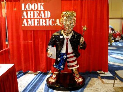 La estatua del ex presidente de Estados Unidos, Donald Trump, en la Conferencia de Acción Política Conservadora (CPAC) en Orlando, Florida, Estados Unidos, el 26 de febrero de 2021. REUTERS/Octavio Jones/File Photo