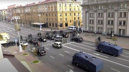 El despliegue policial fue imponente (Belsat TV via AP)