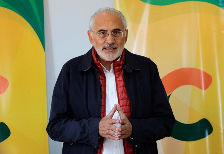 Carlos Mesa, también candidato a la presidencia (Reuters)