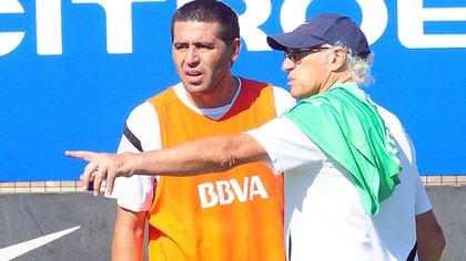 Riquelme y Bianchi en una de las primeras prácticas en Boca juntos en 2013 (Foto Baires)