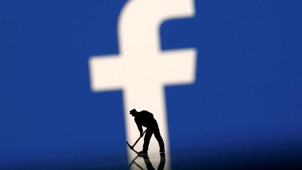 ¿Debería Facebook pagarle a los trabajadores que hacen su imperio, es decir, los usuarios?