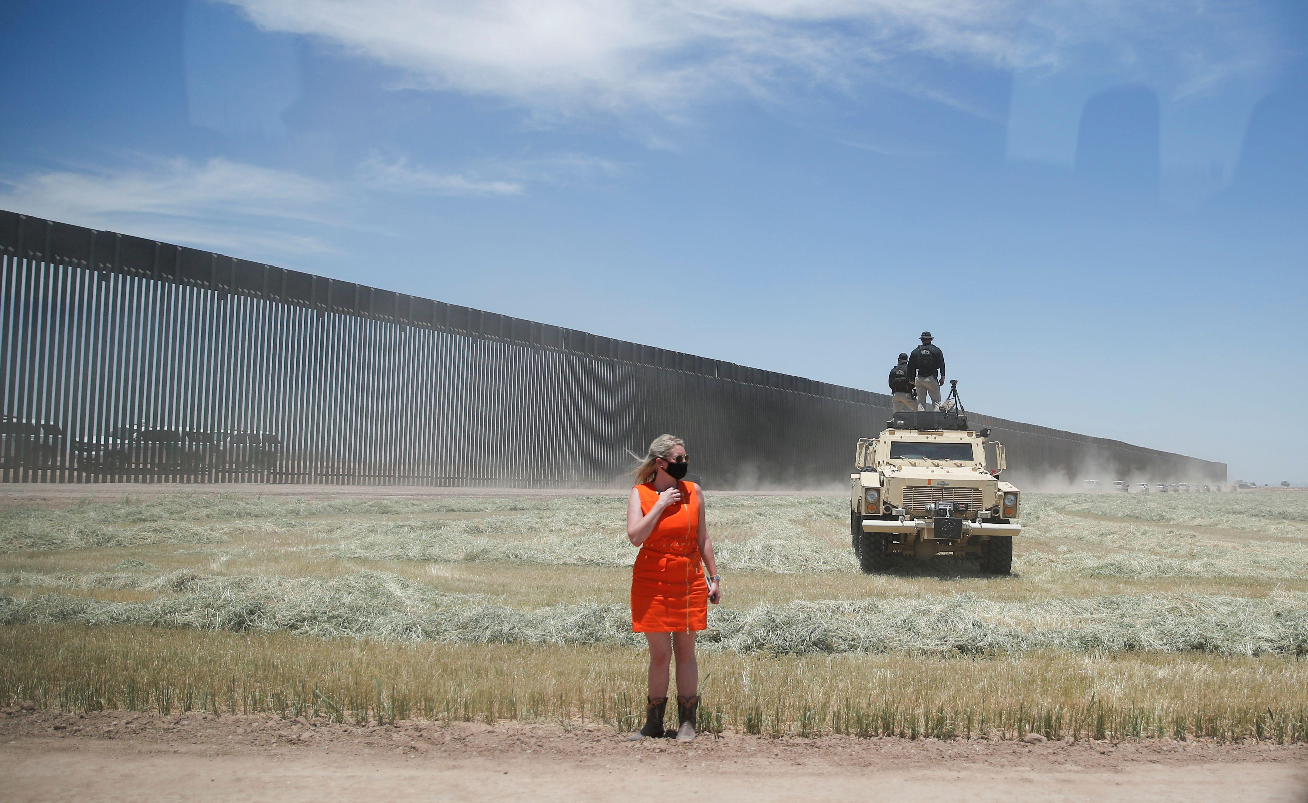 """""""Hay dos cosas que nunca cambian: muros y ruedas. Son dos cosas que cambian jamás en mil años: una rueda y un muro. Funcionan"""", dijo Trump (Foto: REUTERS/Carlos Barria)"""