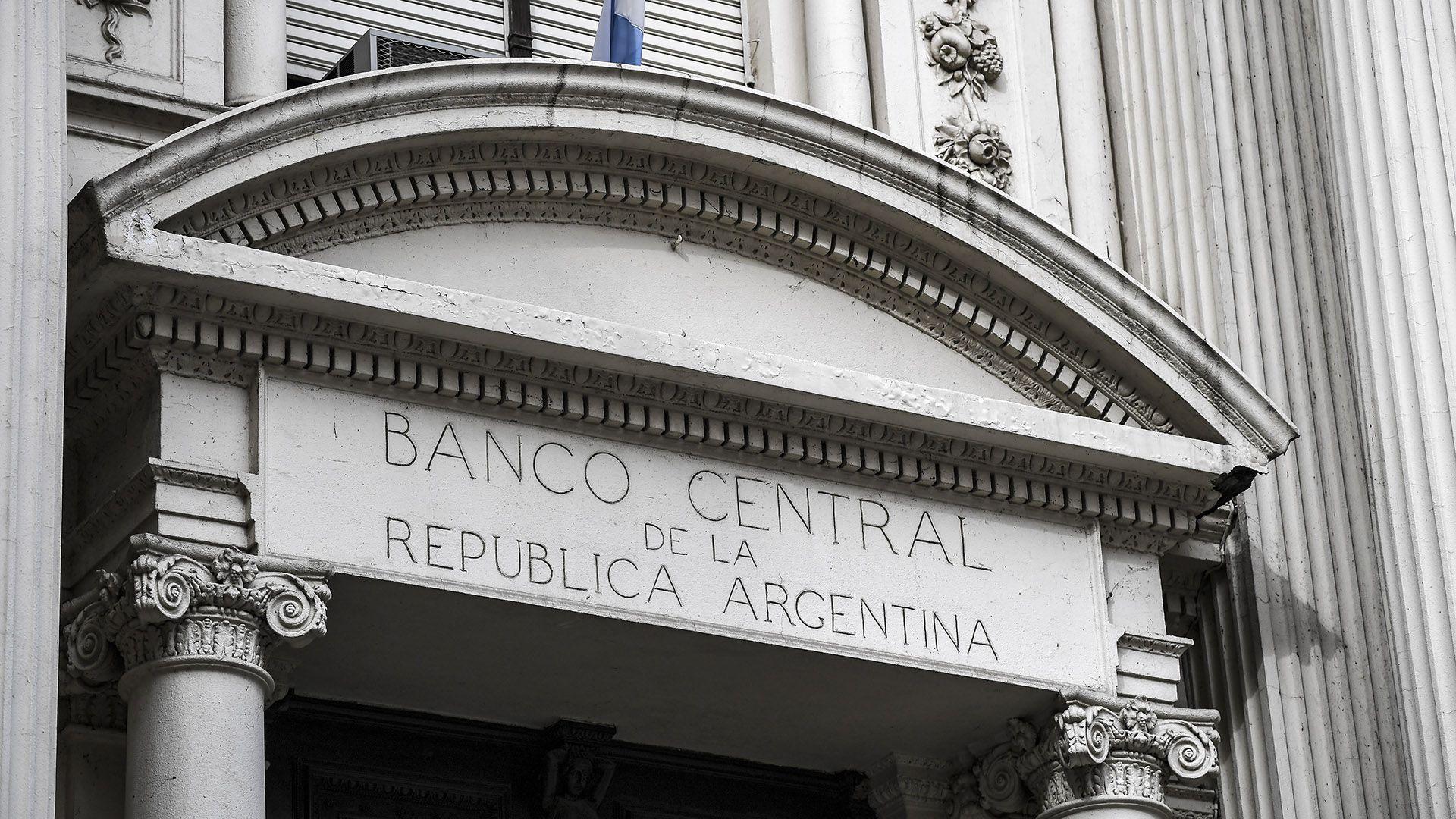 El BCRA sacrifica reservas para evitar una nueva corrida cambiaria.  (AFP)
