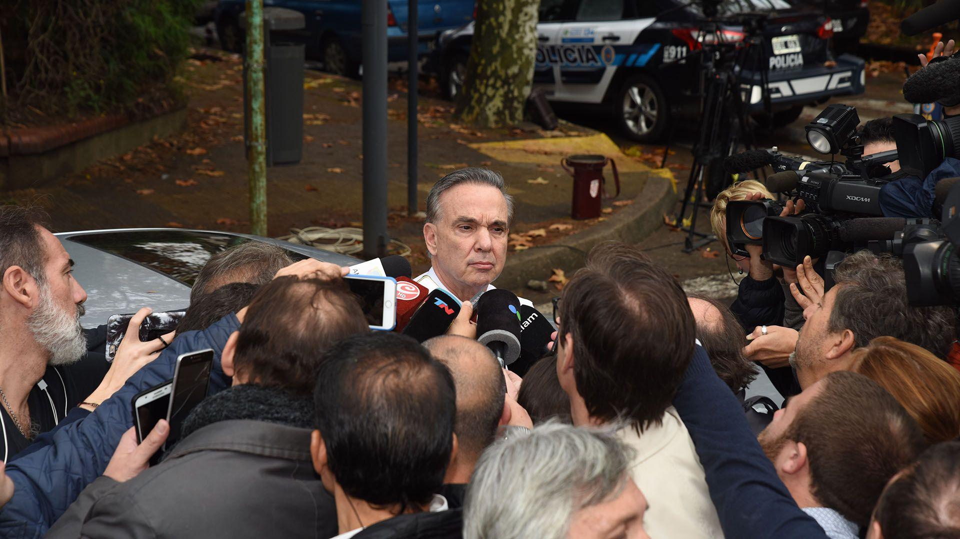 El senador peronista al llegar a la residencia presidencial de Olivos (Foto: Franco Fafasuli)