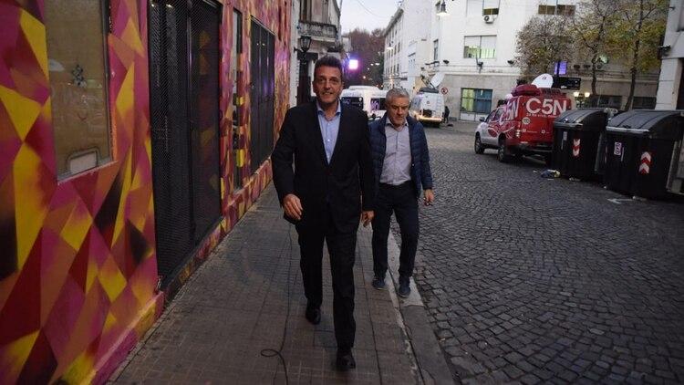 Massa llegó con Raúl Pérez, uno de los operadores del Frente Renovador (Franco Fafasuli)