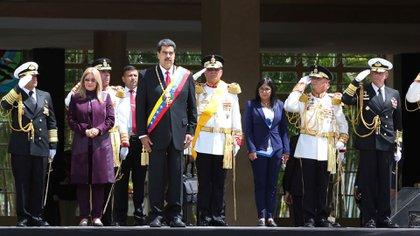 """Nicolas Maduro presidió el desfile militar del Día de la Independencia de Venezuela un día después de que se conociera el """"informe Bachelet"""" en el que quedó en evidencia la brutalidad de su régimen (Reuters)"""