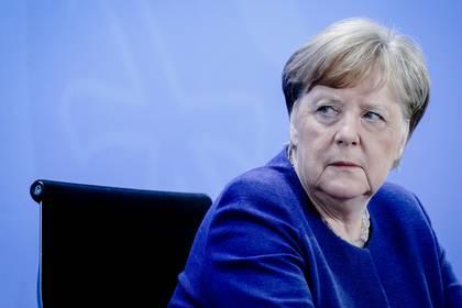 La Canciller alemana Angela Merkel asiste a una conferencia de prensa  en la Cancillería de Berlín, Alemania, el 30 de abril de 2020. (Kay Nietfeld/Pool vía REUTERS)