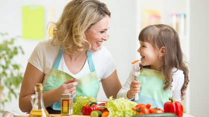 Cada vez más, los consumidores a nivel mundial deciden incorporar estilos de vida más saludables (Shutterstock)