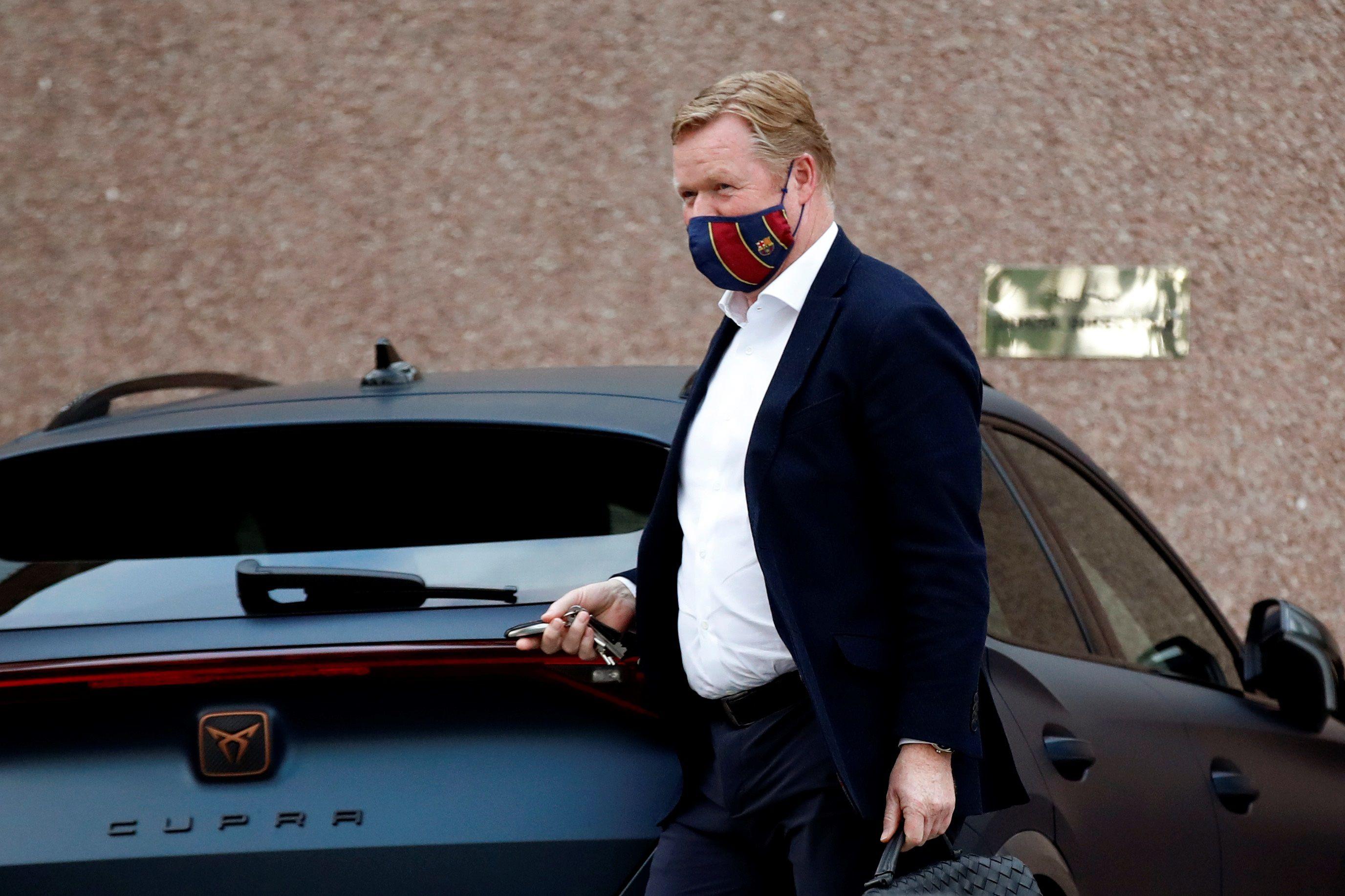 El entrenador del FC Barcelona, el holandés Ronald Koeman, espera por la llegada de más refuerzos (EFE)