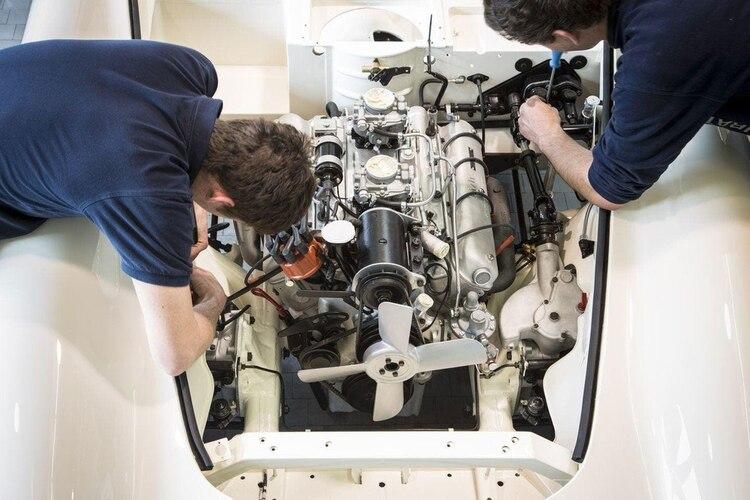 El motor V8, que ya no se conseguía, tuvo que ser construido a nuevo con diferentes piezas. (BMW)