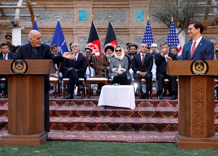 Mark Esper, durante la conferencia de prensa en Kabul, Afganistán, el 29 de febrero de 2020. (REUTERS)