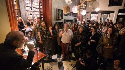 El gran poeta chileno Raúl Zurita encandiló al público