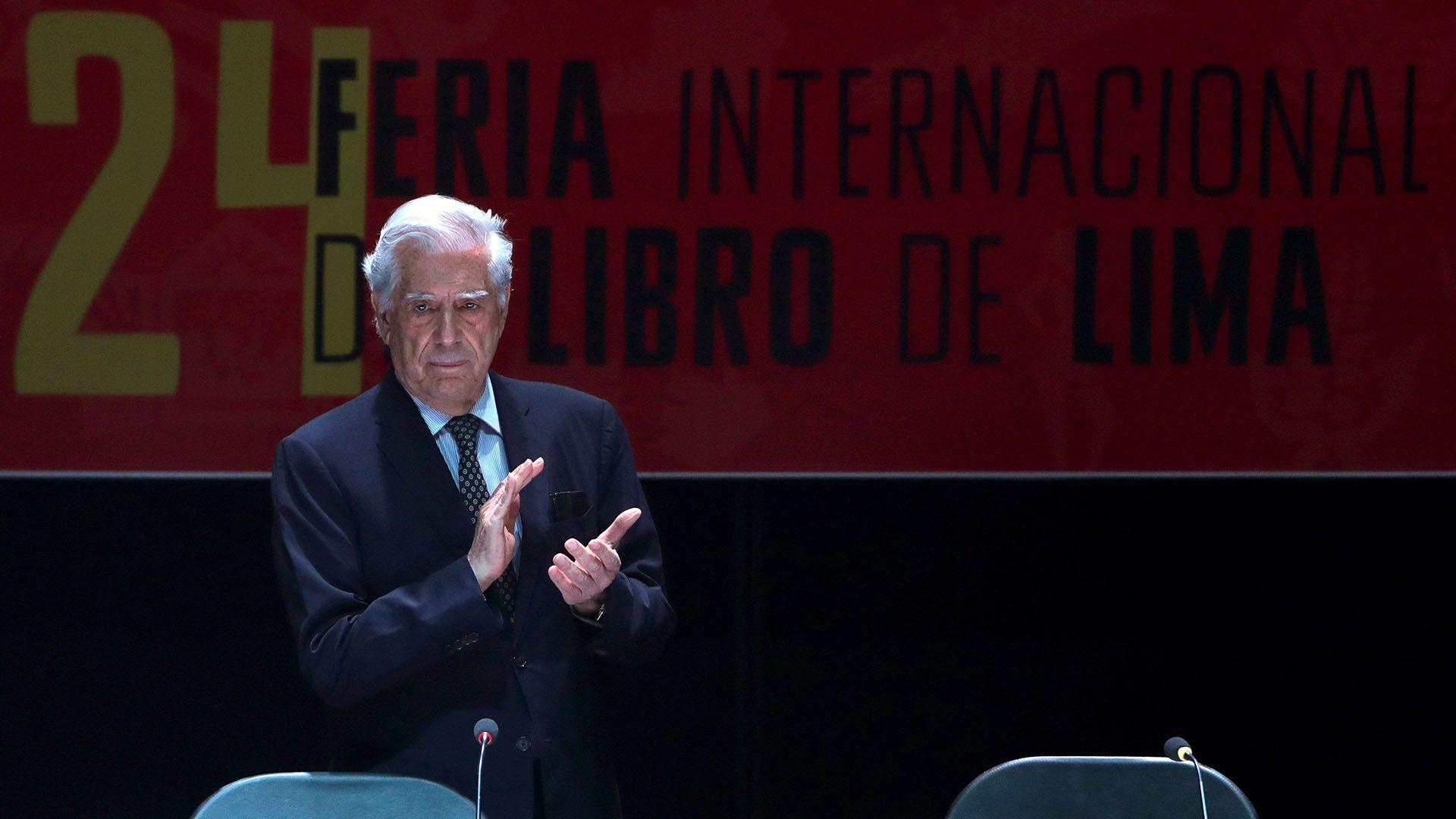 Mario Vargas Llosa, en la inauguración de la 24 Feria Internacional del Libro de Lima(EFE/ Ernesto Arias)