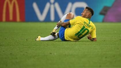 Neymar sufrió múltiples faltas durante la Copa del Mundo