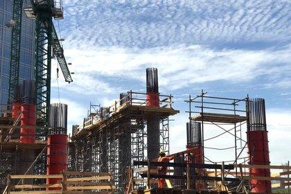 La actividad de la construcción tuvo un desplome de 22% durante el 2020. REUTERS/Marcos Brindicci
