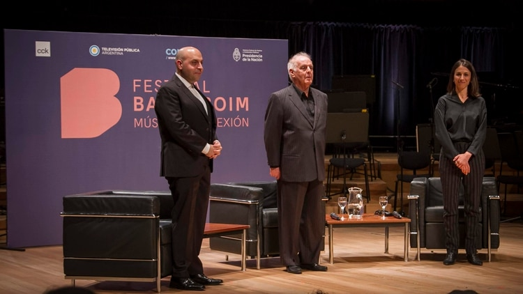 Sa'ed Atshan, Barenboim y Roni Mann (Prensa CCK)