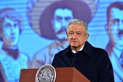 Andrés Manuel López Obrador negó hacer ajustes a estrategia para enfrentar la pandemia del COVID-19 (Foto: Presidencia de México)