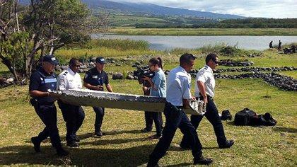 Uno de los pocos restos encontrados en Reunion (AFP)